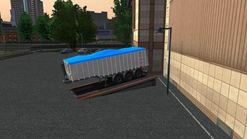Open-trailer-with-tarp