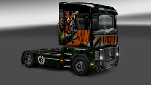 Renault-Magnum-Tiger-Skin
