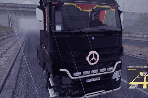 Mercedes-Accident-Skin+Engine
