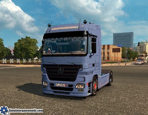 mercedes-truck-1