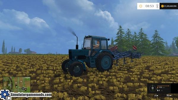 mtz-82-old-tractor-01