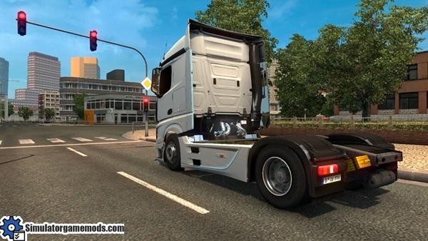 mercedes-benz-mp4-truck-3