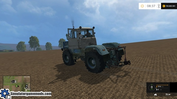 t150k-tractor-3