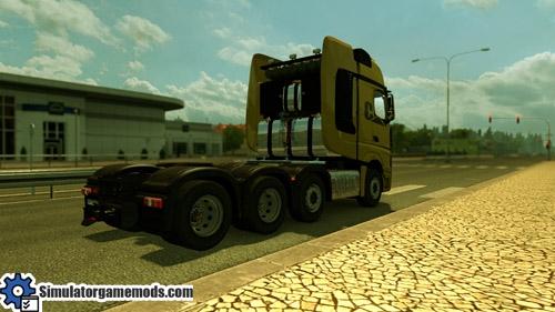mercedes-benz-truck_03