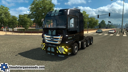 mercedes-benz-titan-truck-01