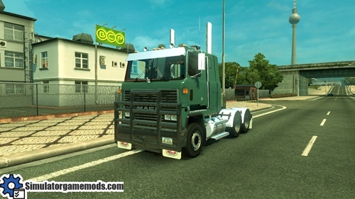 mack_ultraliner_truck_02