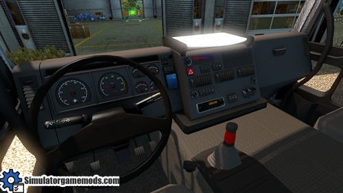 Iveco_eurotech_truck_02