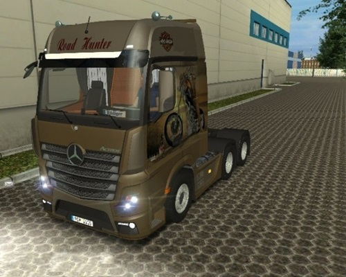 Mercedes-Benz-Actros-MP4-Harley