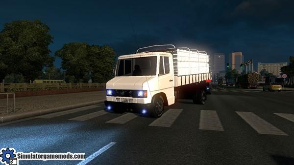 mercedes-benz-truck-1