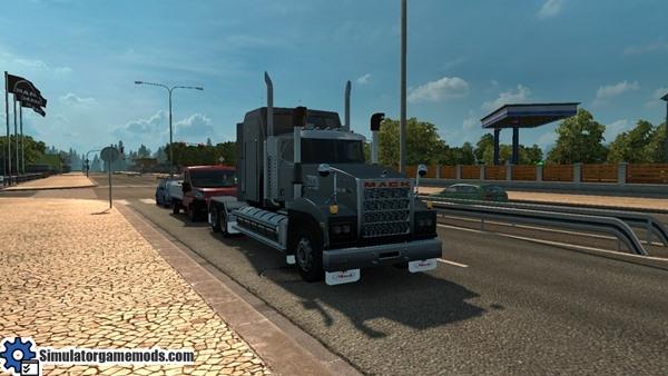 Mack_Titan_v8-truck1