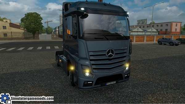 ets2-mercedes-mp4-mirrors-with-blinkers-mod