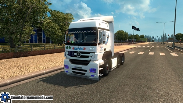 mercedes-benz-axor-truck-1