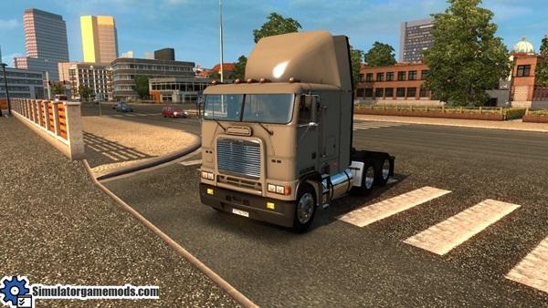 freightliner-truck-1
