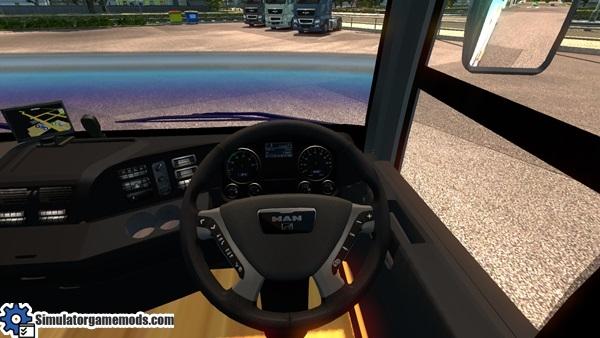 man_Adiputro_Vanhool_bus_2