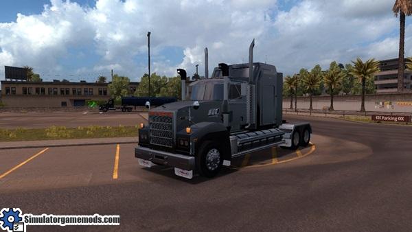 mack_titan_super_liner_truck_1