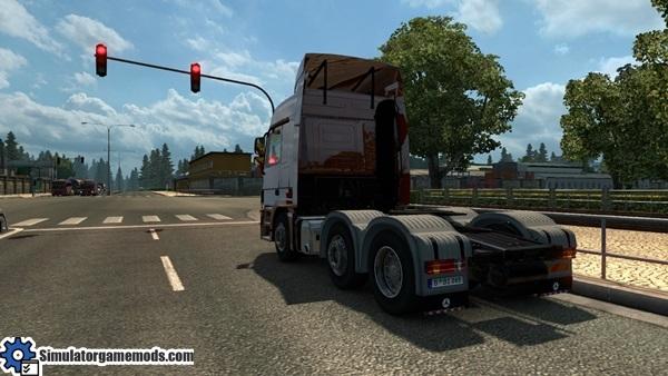 mercedes-benz-mp3-reworked-truck-3