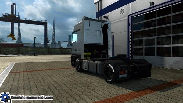 mercedes-benz-truck_3