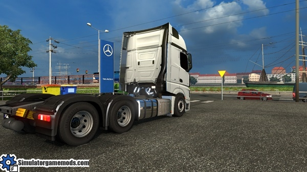 mercedes-benz-mp4-boss-truck-3