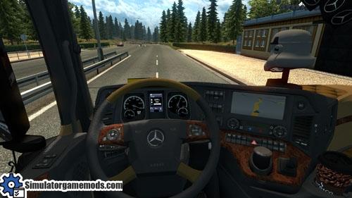 mercedes-benz-mega-truck-02