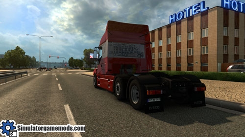 Iveco_strator_truck_02