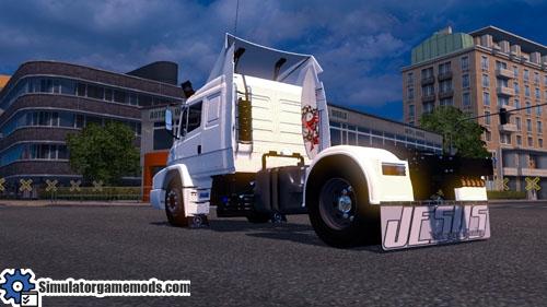 mb_1635_truck_03