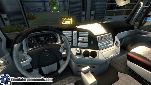 mercedes-benz-titan-truck-02